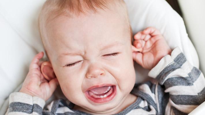 Diş Çıkartan Bebeğin Ağrısı Nasıl Azaltılır?